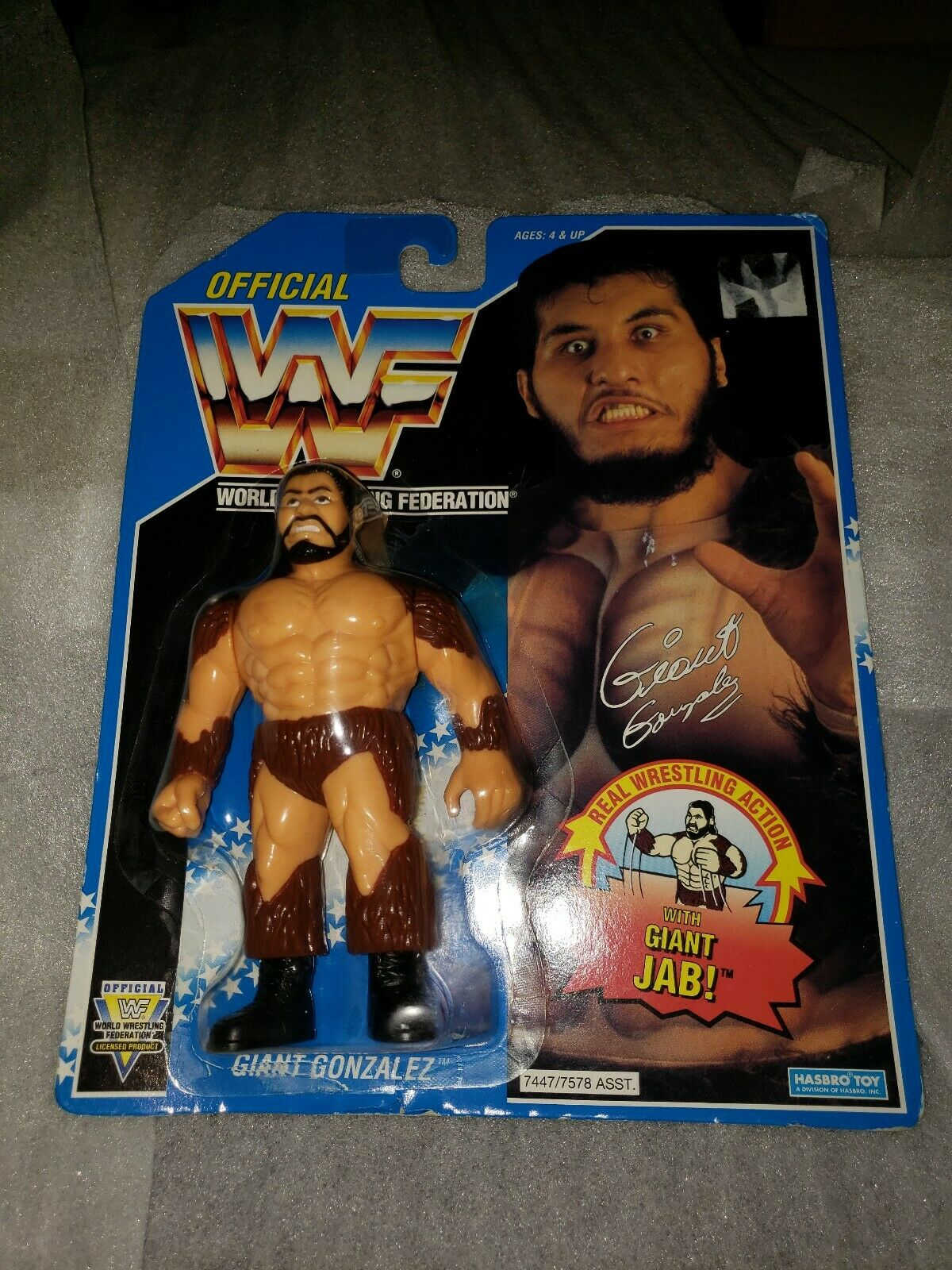 Hasbro  WWE WWF Giant Gonzalez figure statue Vintage Bleu collector objet rare  pour pas cher