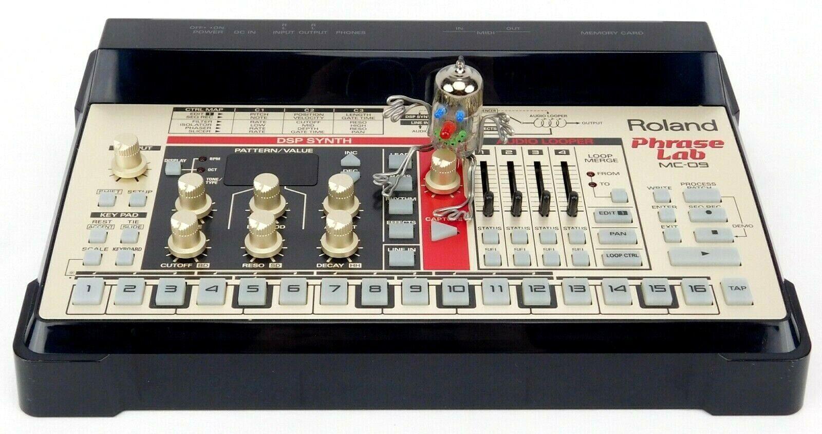 Roland MC-09 Phrase Lab DSP Synth Looper TB-303 Sounds + Top Zustand + Garantie