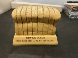 VINTAGE-BREAD-LOAF-PLASTIC-COIN-BANK-COLLECTIBLE-PAULA-1974-MADE-IN-USA