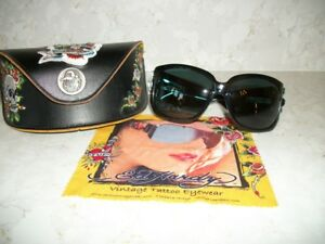 New-Ed-Hardy-Sunglasses-with-case-and-box-and-RHINESTONES