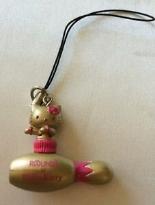 Sanrio-Gold-Color-Hello-Kitty-on-Bowling-Pin-Keyholder