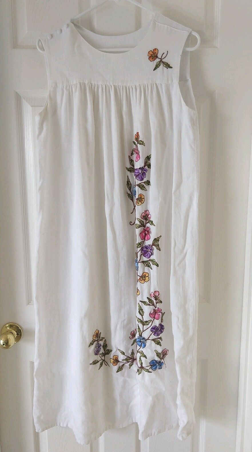 Vintage 70s White Linen Muumuu with colorful Embroidered Flowers Buttons Hippie