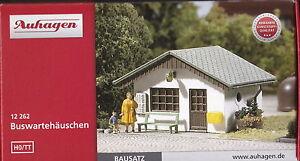 Auhagen 12262 - Spur TT und H0 geeignet - Buswartehäuschen - 2 Stück