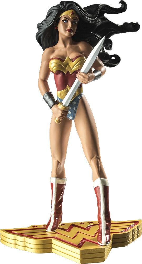 WONDER WOMAN - The Art of War  Adam Hughes 7.25  Statue (DC Comics)  NEW