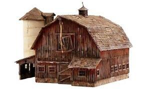 NEW Woodland Scenics Rustic Barn N PF5211