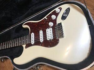 Fender-American-Deluxe-Stratocaster-2004-2010