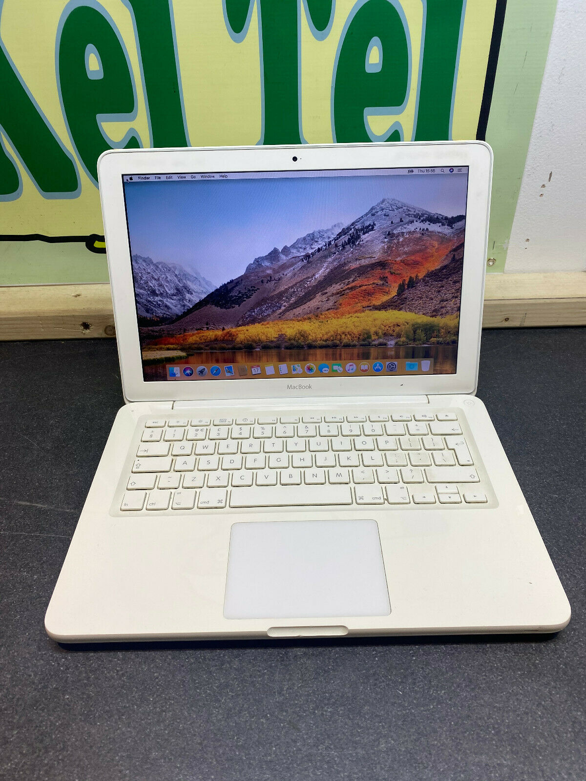 macbook: Apple MacBook A1342 13.3″ H Sierra 4GB RAM 250GB HDD READY TO USE LAPTOP WIFI UK