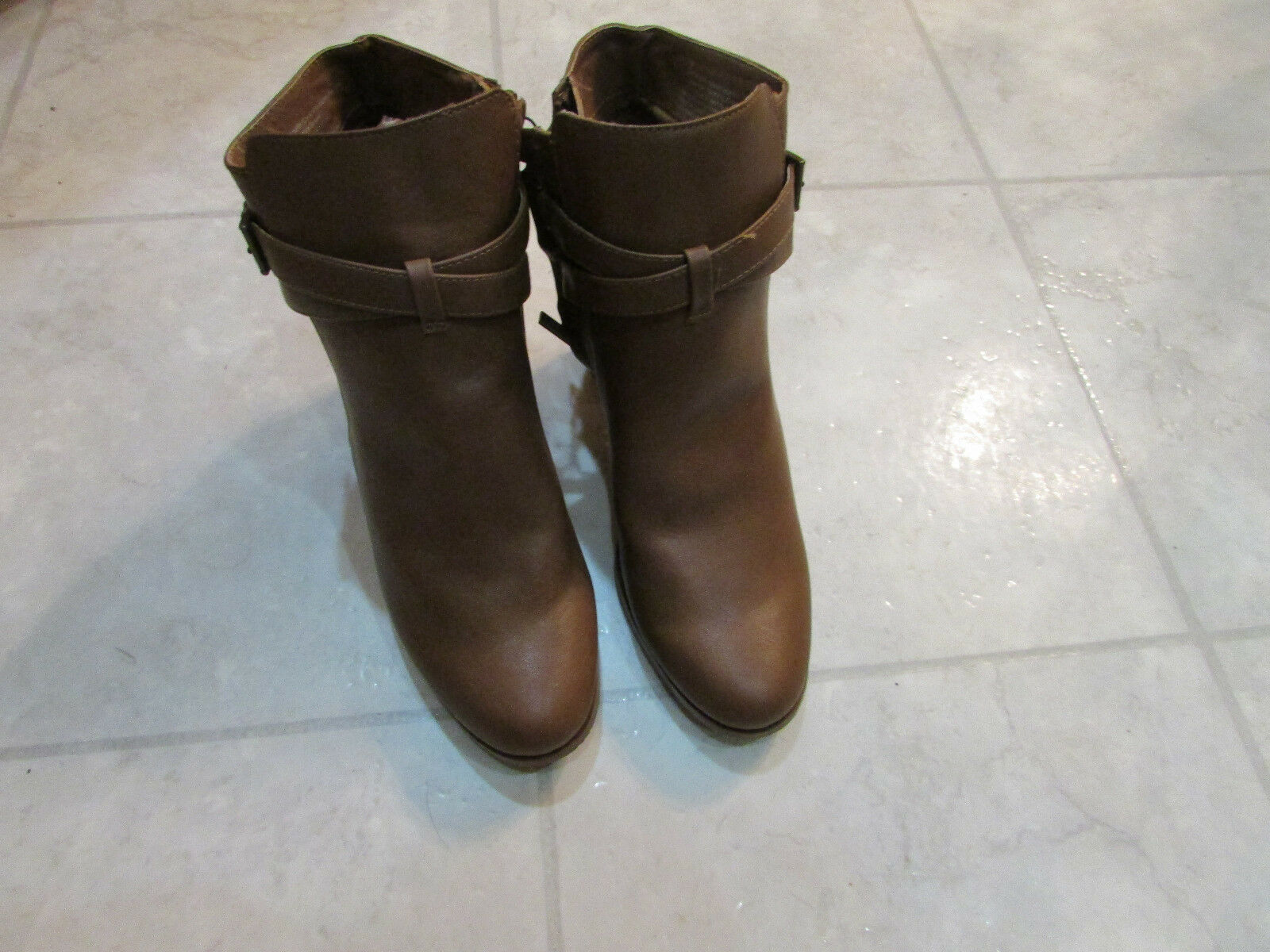 New With Box Kenneth Cole Reaction Womens Booties-Size-8.5-color-Brown