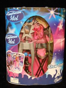 Barbie American Idol TV Show Stage Kit Carry Case with Clothes NEW!