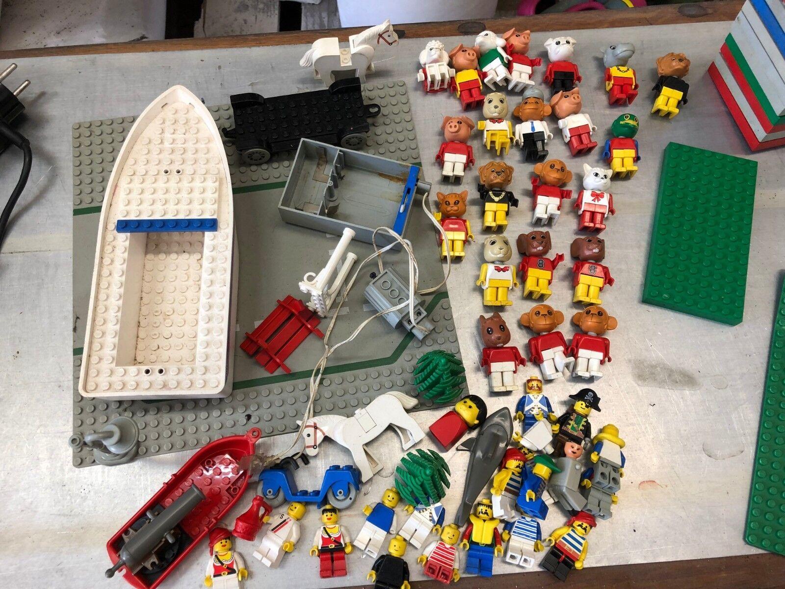 Lego Konvolut siehe Fotos mit viele Figuren Platten Steine usw