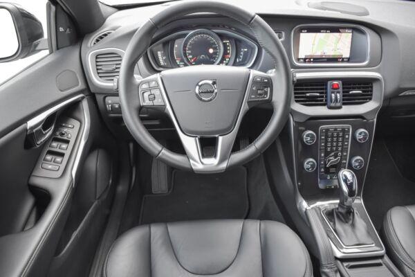 Volvo V40 CC 2,0 D3 150 Momentum aut. - billede 5