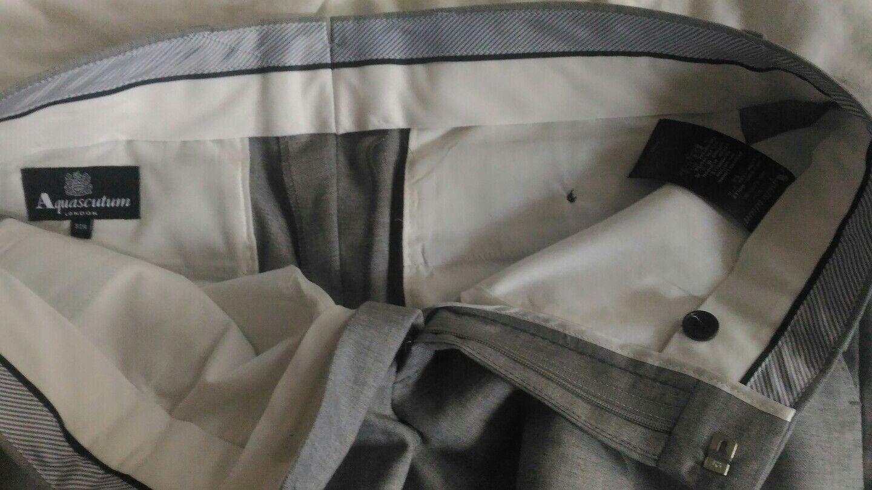 AQUASCUTUM Grigio Da Uomo Piatto Frontale Pantaloni Taglia 32, NUOVO NUOVO NUOVO CON ETICHETTE 733e59