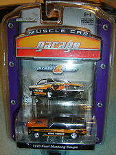 GREENLIGHT MUSCLE CAR GARAGE STREET & STRIP '70 Ford Mustang Coupe 1/64 NEW