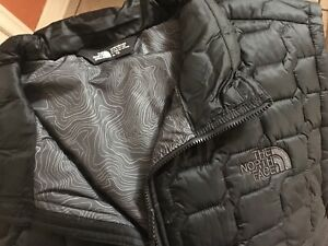 8b1865026 Details about The North Face Mens ThermoBall Vest TNF Black Size XL New!