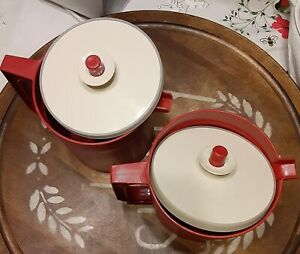 Lot-2-Vintage-Tupperware-Pitcher-1-5-qt-Push-Button-Seal-Red-Small-1-1-2-quart