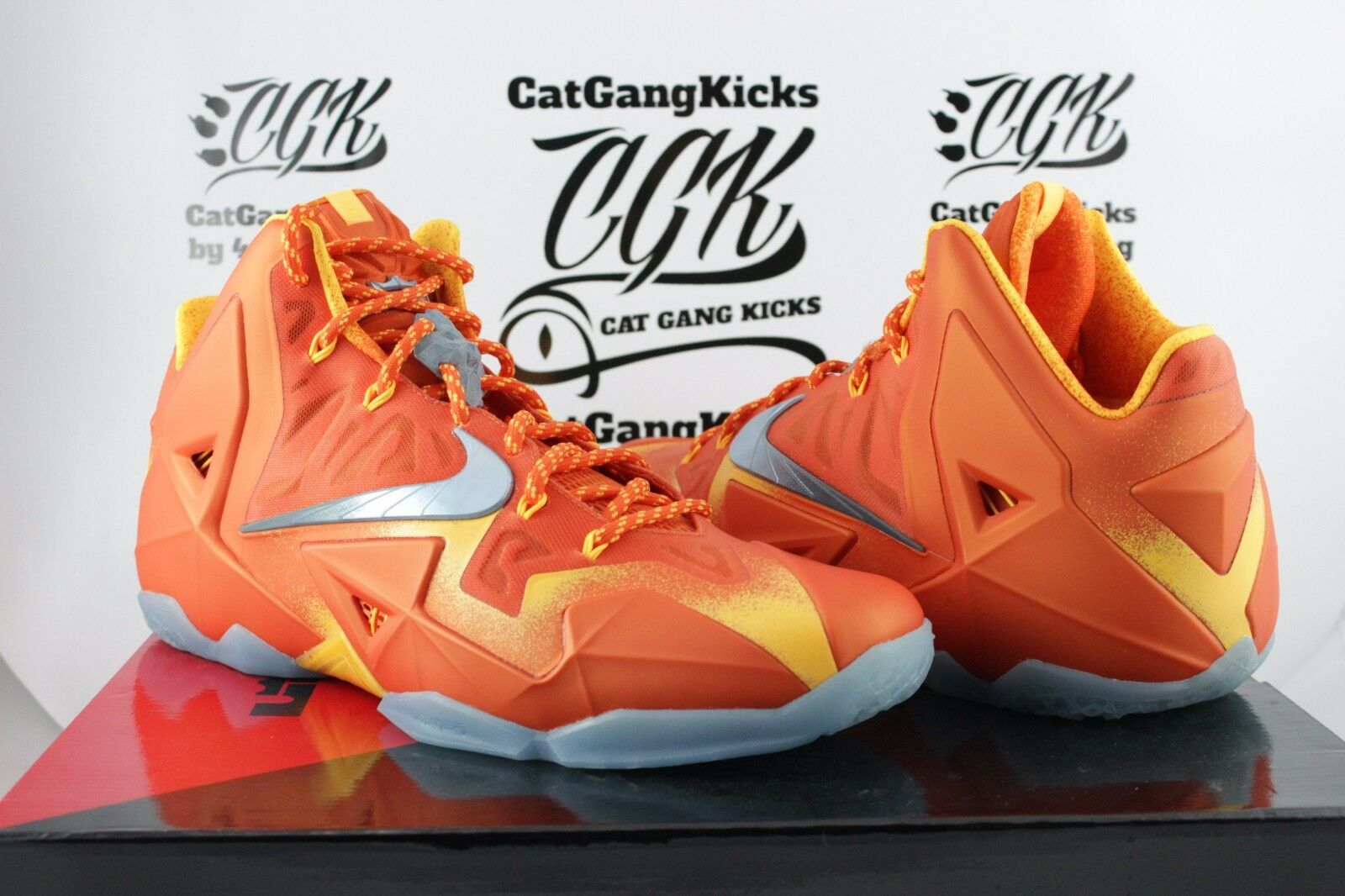 DS Nike Lebron XI 11 Preheat Forging Iron 826376 800 Sz 11.5 orange big bang
