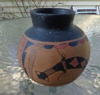Zuni Indian terracotta lizard pottery pot signed Kyawan