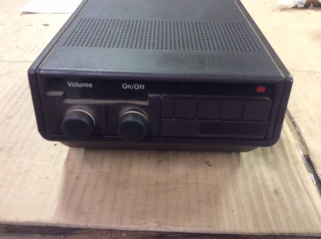 Motorola Maxar 80 UHF Two-Way FM Radio. Available Now for 31.45