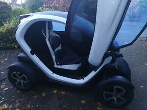 renault-twizy-2014-new-service-and-mot-extended-warranty