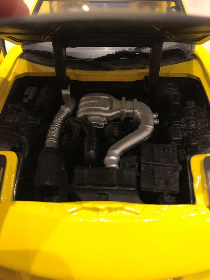 Modelbil, Mazda RX7 1993 1/18, skala 1:18