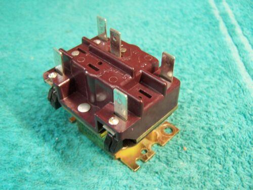 Lennox OEM relay P-8-8479 38276 24V coil SPDT