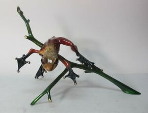 Large-11-034-TIM-COTTERILL-Frogman-Bronze-sculpture-of-Frog-on-a-Branch-Ex-Cdn
