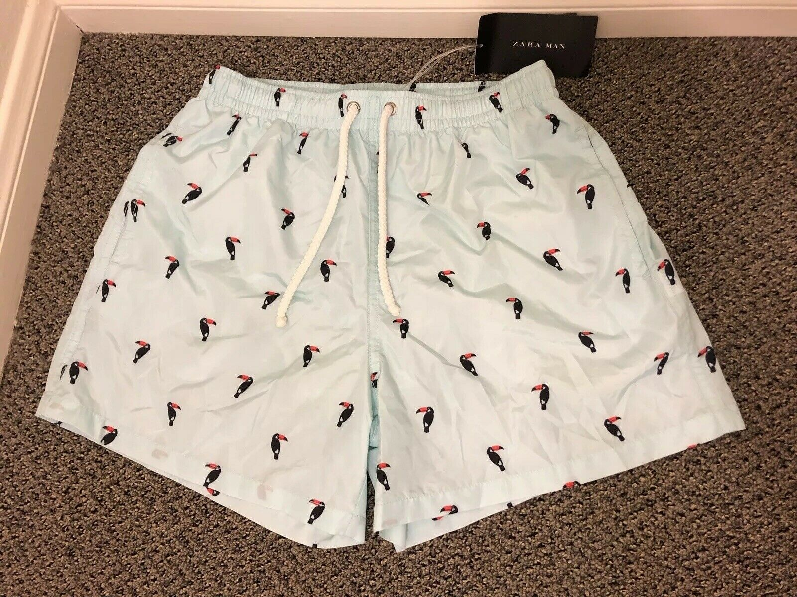 (NWT) ZARA MENS MEDIUM SWIM TRUNKS SHORTS TOUCAN PRINT [MESH INNER LINING]