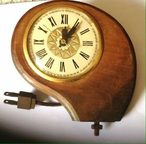 Lanshire Clock- Vintage Electric Wood Clock
