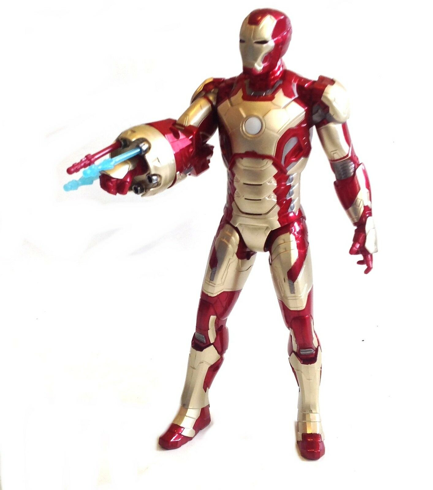 Marvel toys Massive 15  IRONMAN figure w  sound, light & missiles, avengers