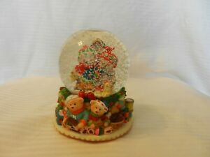 Snowman-amp-Snowwoman-With-Teddy-Bears-Snow-Globe-Plays-Jingle-Bells
