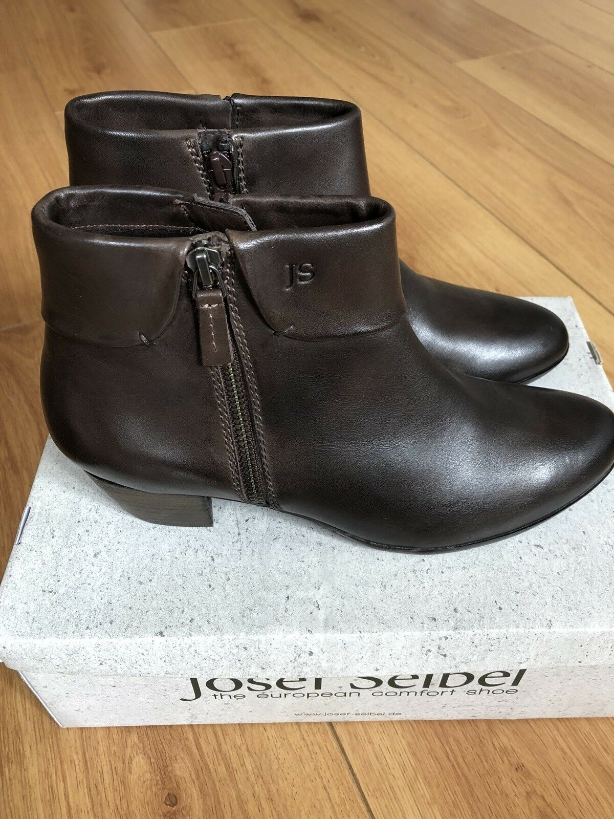 BRAND NEW JOSEF SEIBEL SUE SUE SEIBEL 05 ladies zip ankle boots in chocolate brown /38 1b607e