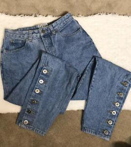 90s-High-waisted-acid-wash-jeans-Taboo-sportswear