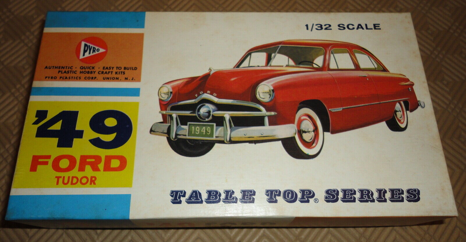 Pyro 1 32 '49 FORD TUDOR  TABLE TOP SERIES  C290-50