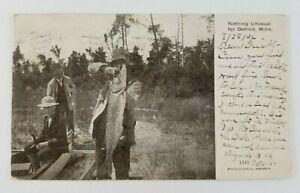 Postcard-Fisherman-Fishing-Catches-a-Juicy-Pike-Fish-Detroit-Lake-Minnesota-1906