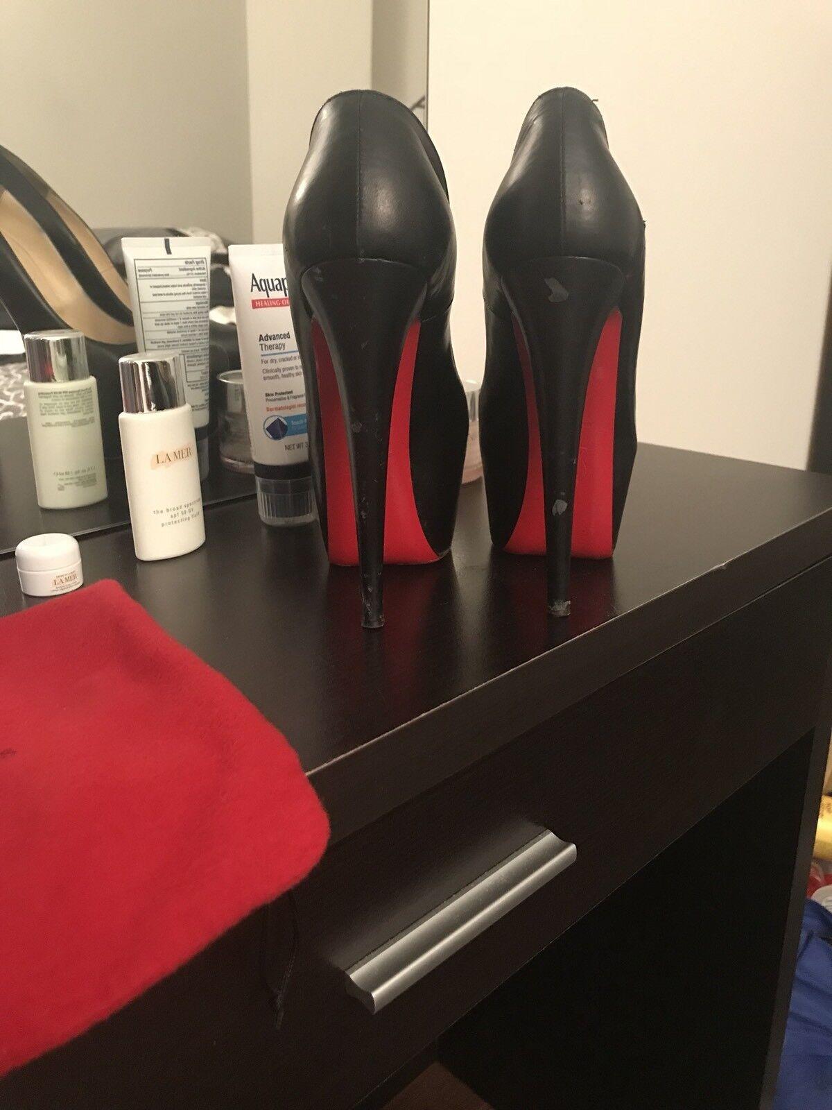 disponibile Christian Christian Christian Louboutin nero Leather Daffodile Pumps, EU Dimensione 38.5  marchio in liquidazione
