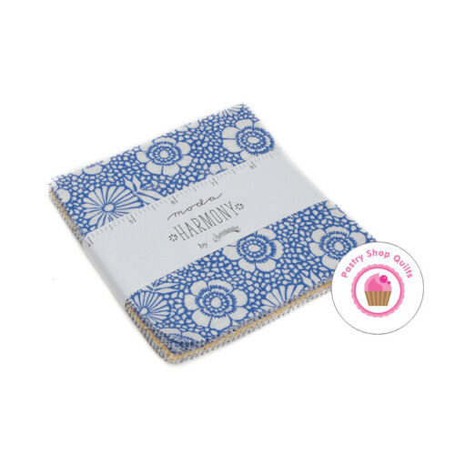 """HARMONY Moda SWEETWATER Quilt Fabric CHARM PACK 42 5/""""  Squares White Blue"""