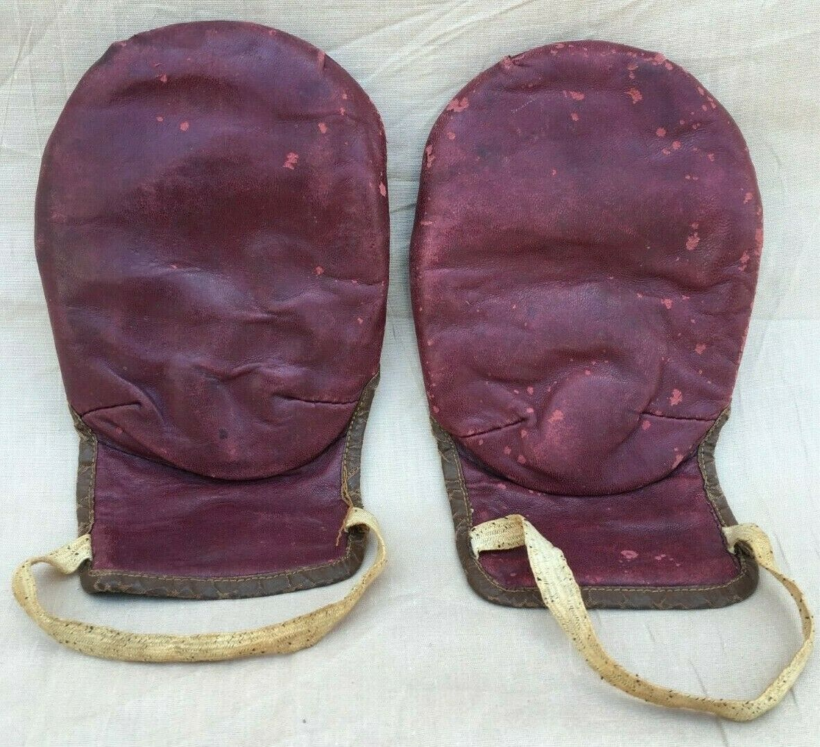 Early 20th Century Thumbless Leather Boxing  G s  factory outlet store