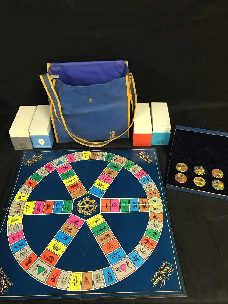 Trivial Pursuit Collectors Edition: 4 Editions with Deluxe Playing Pieces
