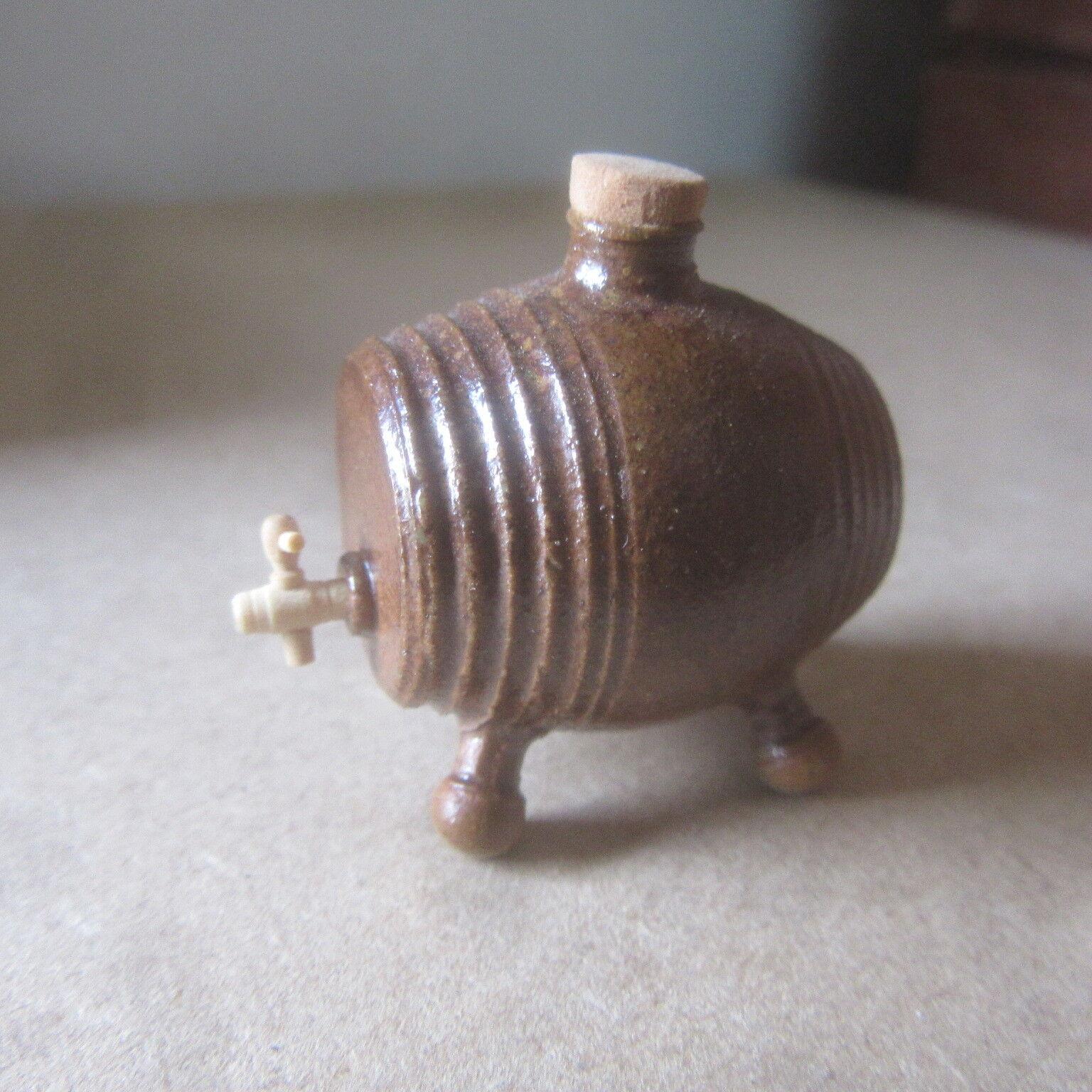 Qualità 12th scala casa delle bambole piccole botte in ceramica firmato articolo FR113