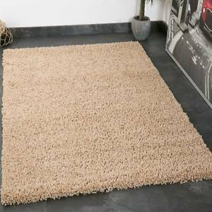 Tapis Shaggy A Poils Longs Tapis Poil Long Beige Salon Facile A