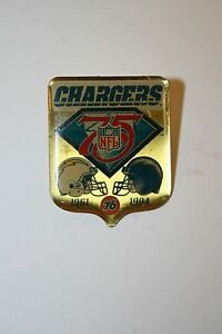 Vintage-Union-76-San-Diego-Chargers-1961-1994-Pinback-Pin-Football-75-Years-NFL