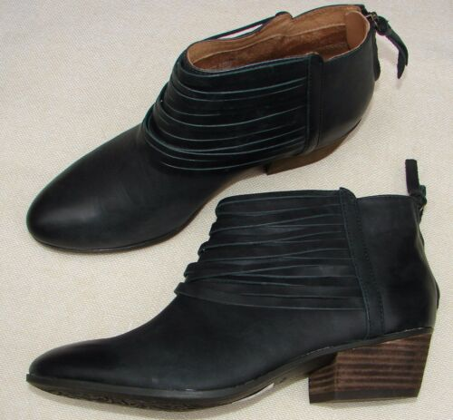 """NEW CLARKS /""""Material Art/"""" Black Leather Western Ankle Zip Up Boots UK 3-3.5 D"""