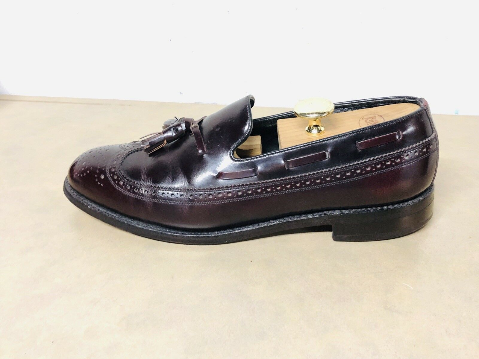 Florsheim burgundy wingtip tassell loafers 305621 men Size 10 D Dress Casual
