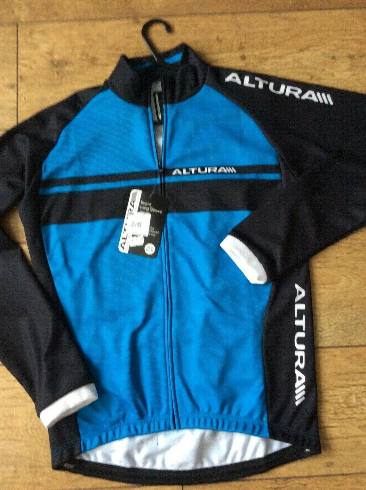 NEW CYCLIST LONG SLEEVE JERSEY SIZE