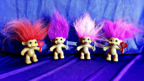 """Russ 3/"""" Troll Doll Naked Holding Sign Happy New Year Wild About You  You/'re Spec"""