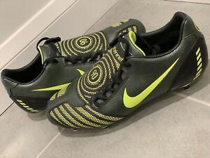 Nuovo-Nike-T90-TOTAL-90-LASER-II-SG-Scarpe-da-calcio-misura-12-Regno-Unito-Leggi-Desc