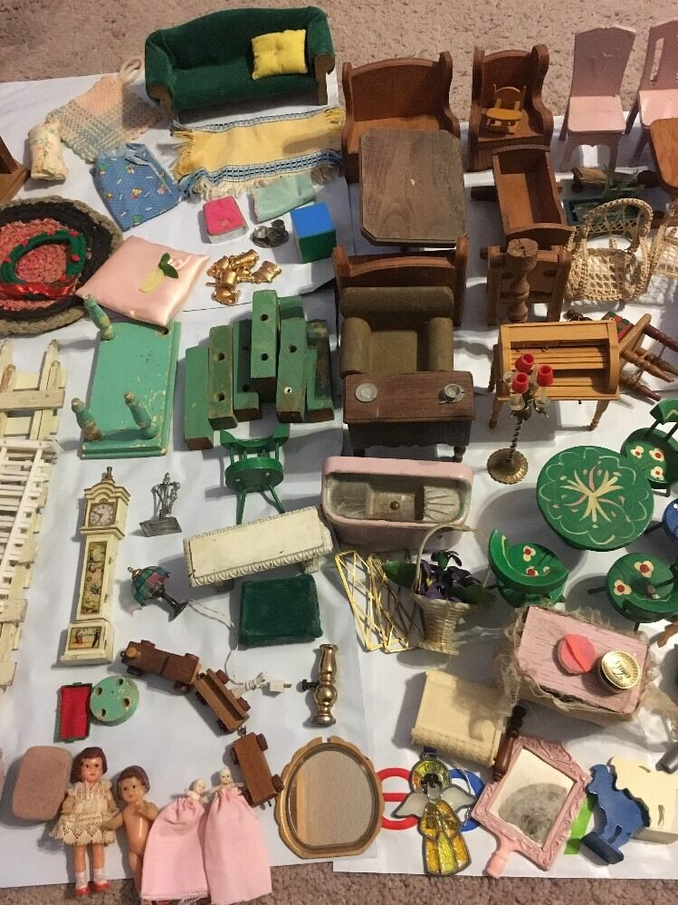 4 Vintage Dolls 2 Are Very Tiny. Plus Collection Of Doll House Furniture Vintage