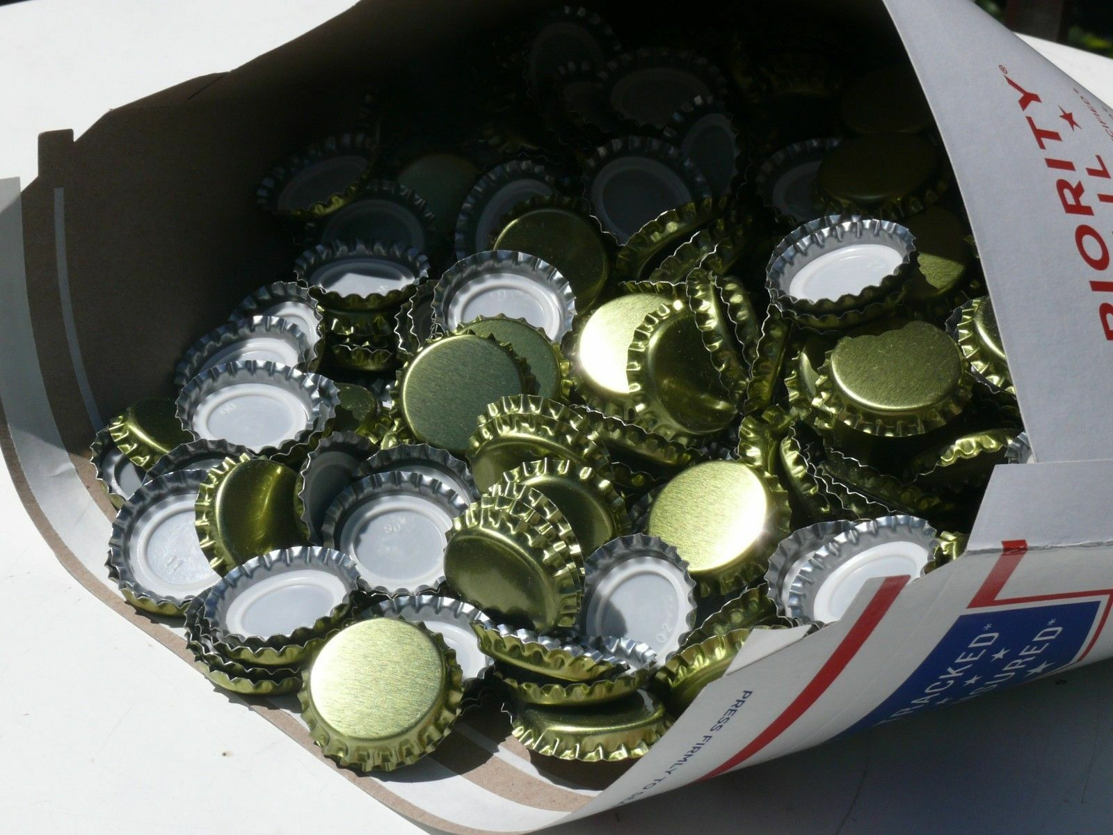 s l1600 576 Lined Bottle Caps Bottling Beer Home Brew Brewing New Gold FREE SHIPPING!!!