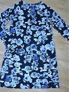 Edles kleid mit blumen