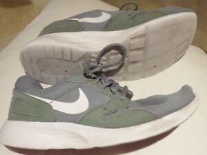 Nike-Roshe-Run-grau-gruen-rivalry-style-Gr-42-gebraucht-Hyperfuse-grey